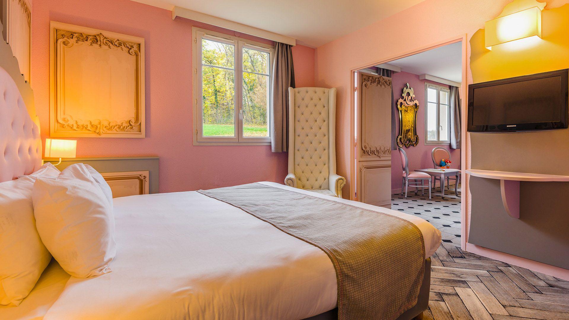 knights and princesses suites disneyland paris hotel explorers