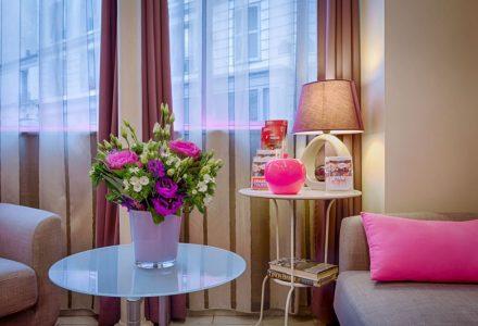 Pink-Hotel-Paris-Services-03