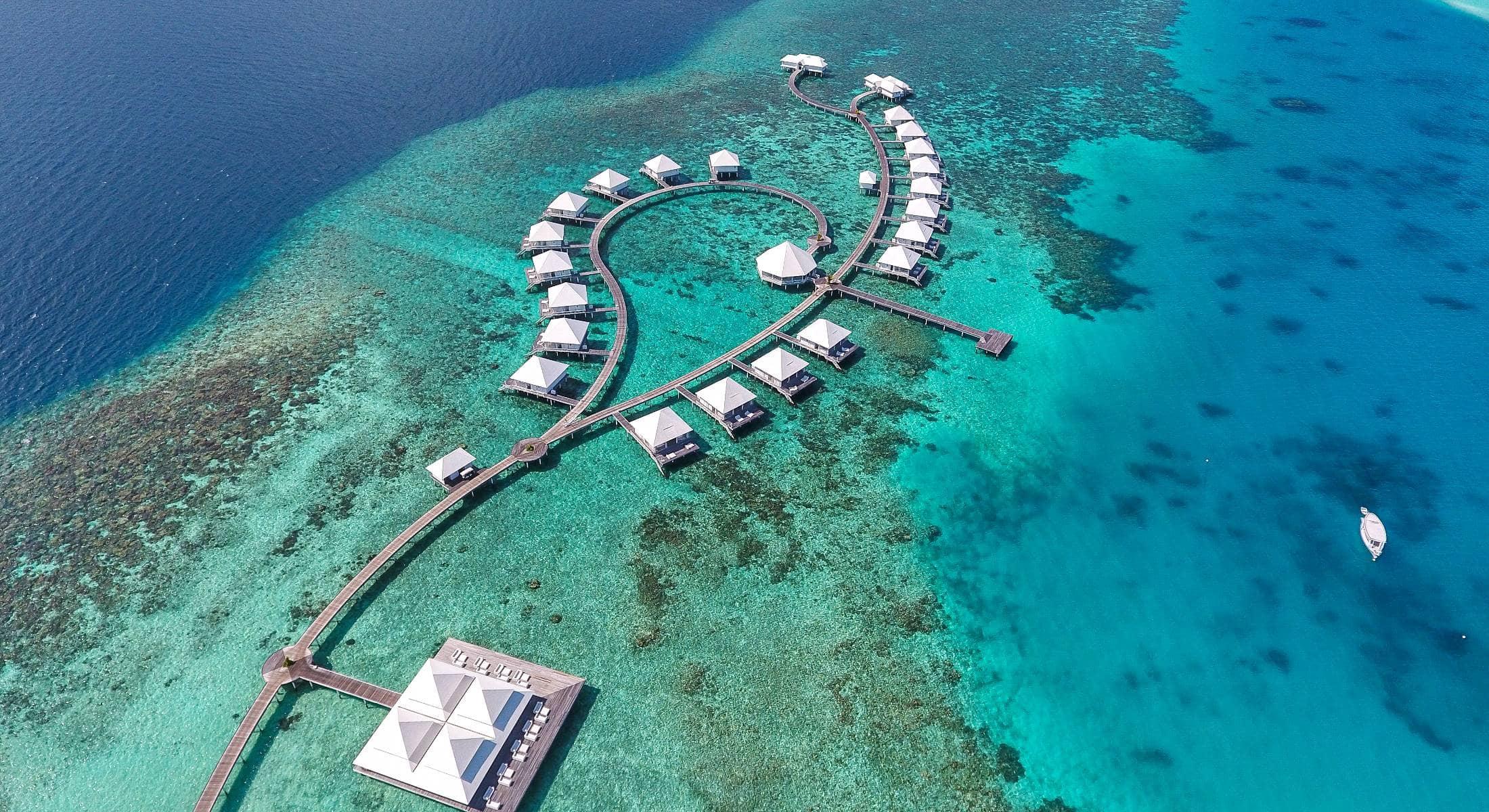 Diamonds Thudufushi Maldives in South Ari Atoll - Book a ...