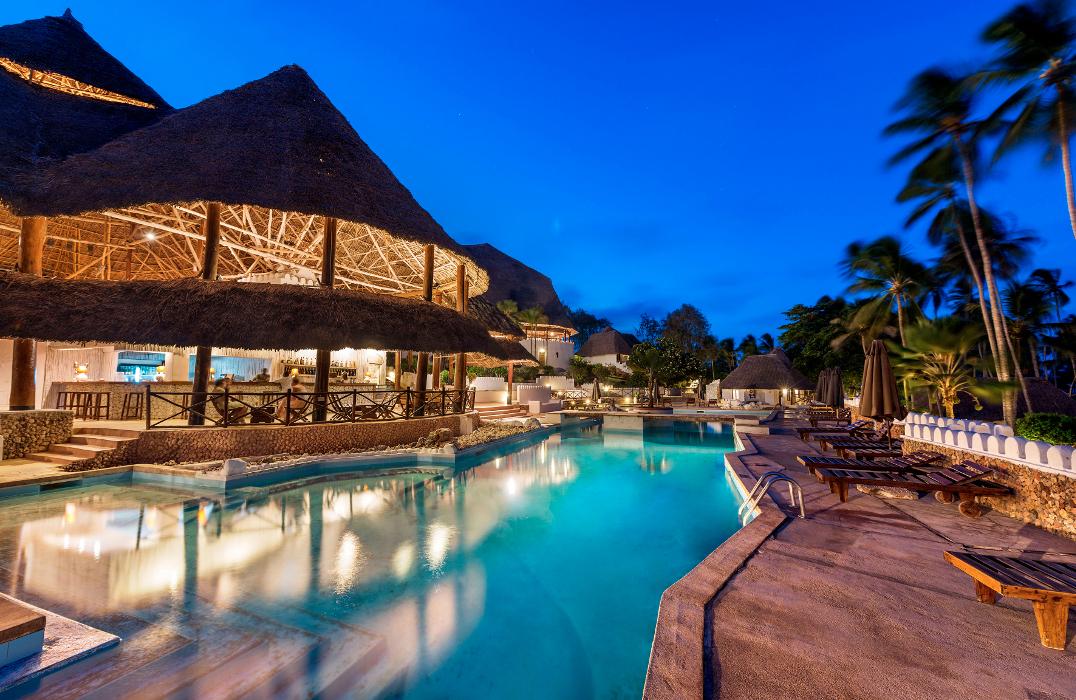 Diamonds mapenzi beach in zanzibar book a luxury resort for Hotel luxury zanzibar