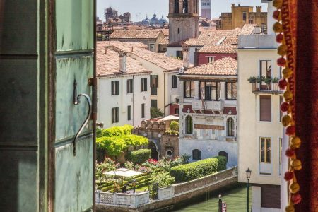 gallery_rooms-deluxe-canal-01