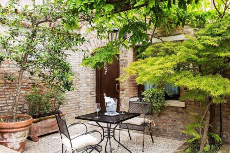 gallery-common-courtyard-01
