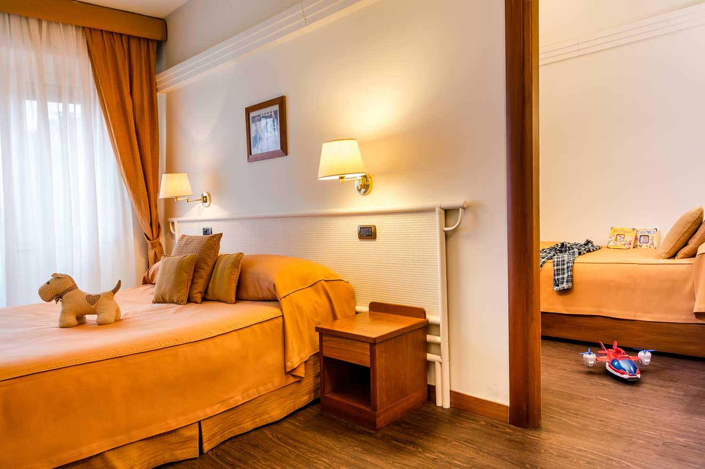 Zimmer - Familienzimmer plus Hotel Genoa- Hotel Vis à Vis In Sestri ...