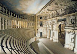 Teatro Olimpico. Opera di A. Palladio Work of A. Palladio