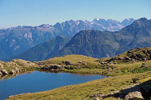 Lago Corvo e montagna del Trentino