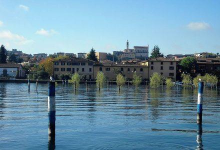 Umgebung Hotel Sarnico (BG) - Hotel Sebino vor dem Lago d'Iseo