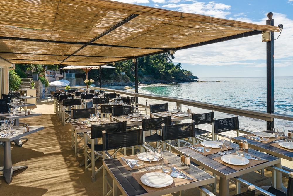 Le bailli de suffren rayol canadel sur mer r server un for Restaurant la piscine sarrebourg