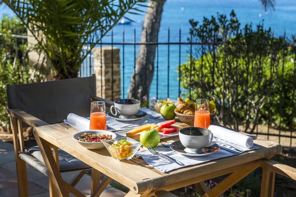 Hôtel Le Bailli de Suffren petit déjeuner