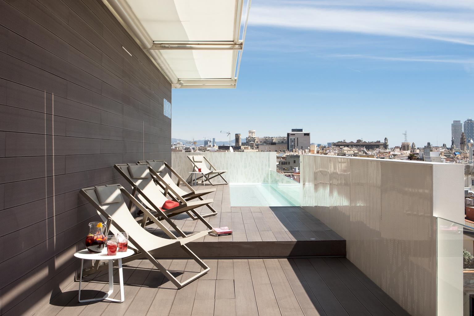 Hotel gaud en barcelona reserva de un hotel lujo en el for Barcellona hotel centro economici