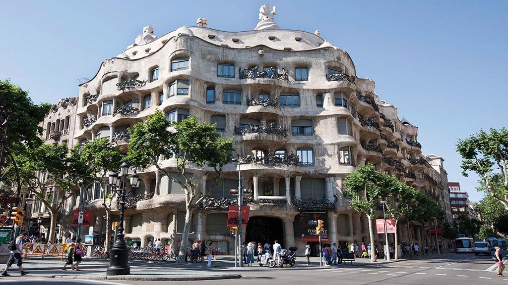 Paseo De Gracia And The Ensanche Eixample Barcelona