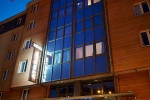 Atrium-Hotel-Valence-facade-de-nuit-30
