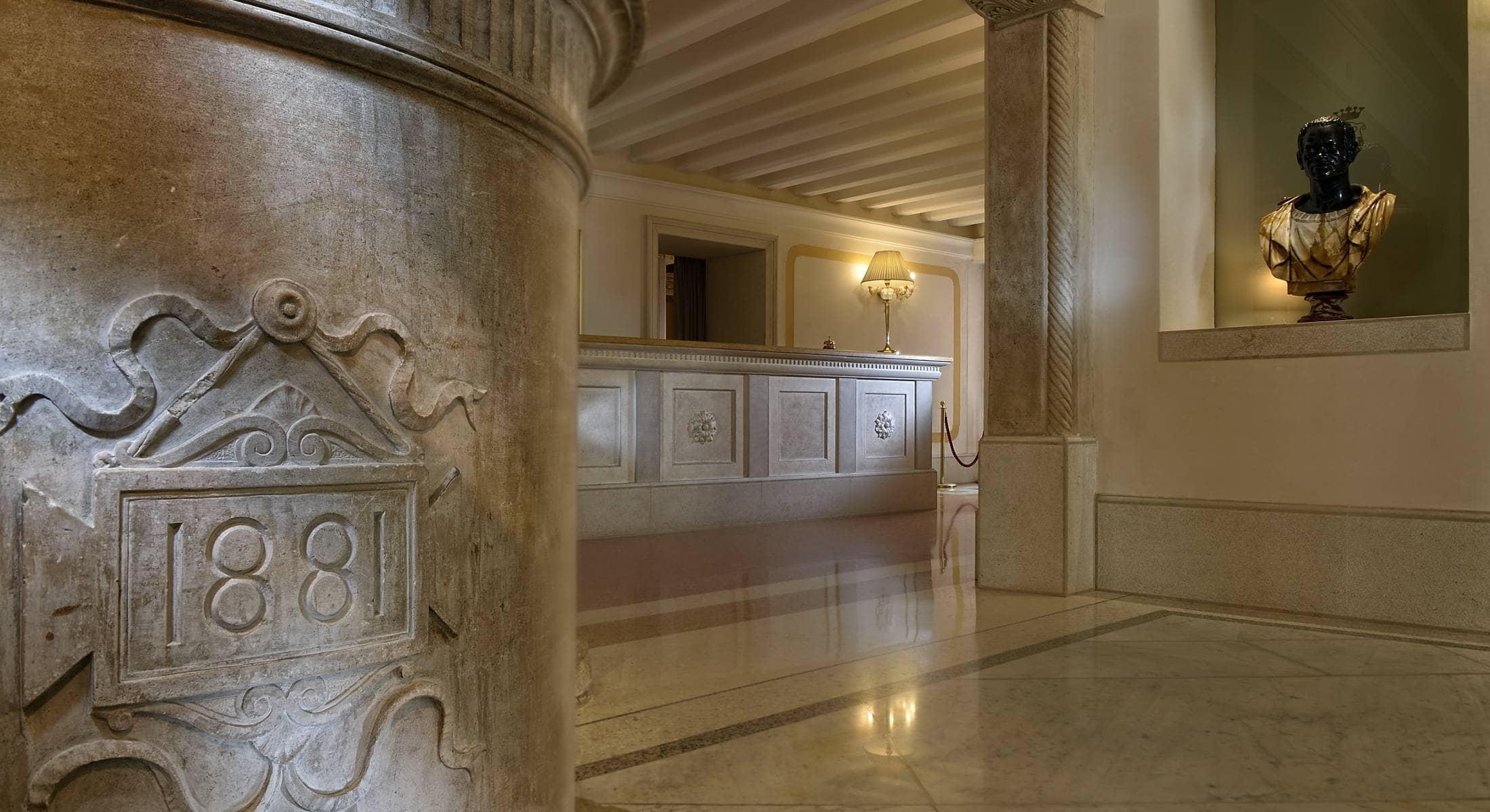 Ai Reali di Venezia in Venice - Book a luxury hotel between