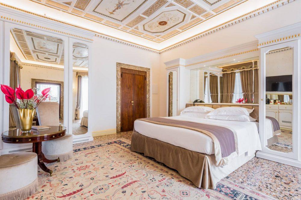 Kamer En Suite Rails.Kamers En Suite Junior Suite With Terrace Hotel Venetie Hotel Ai
