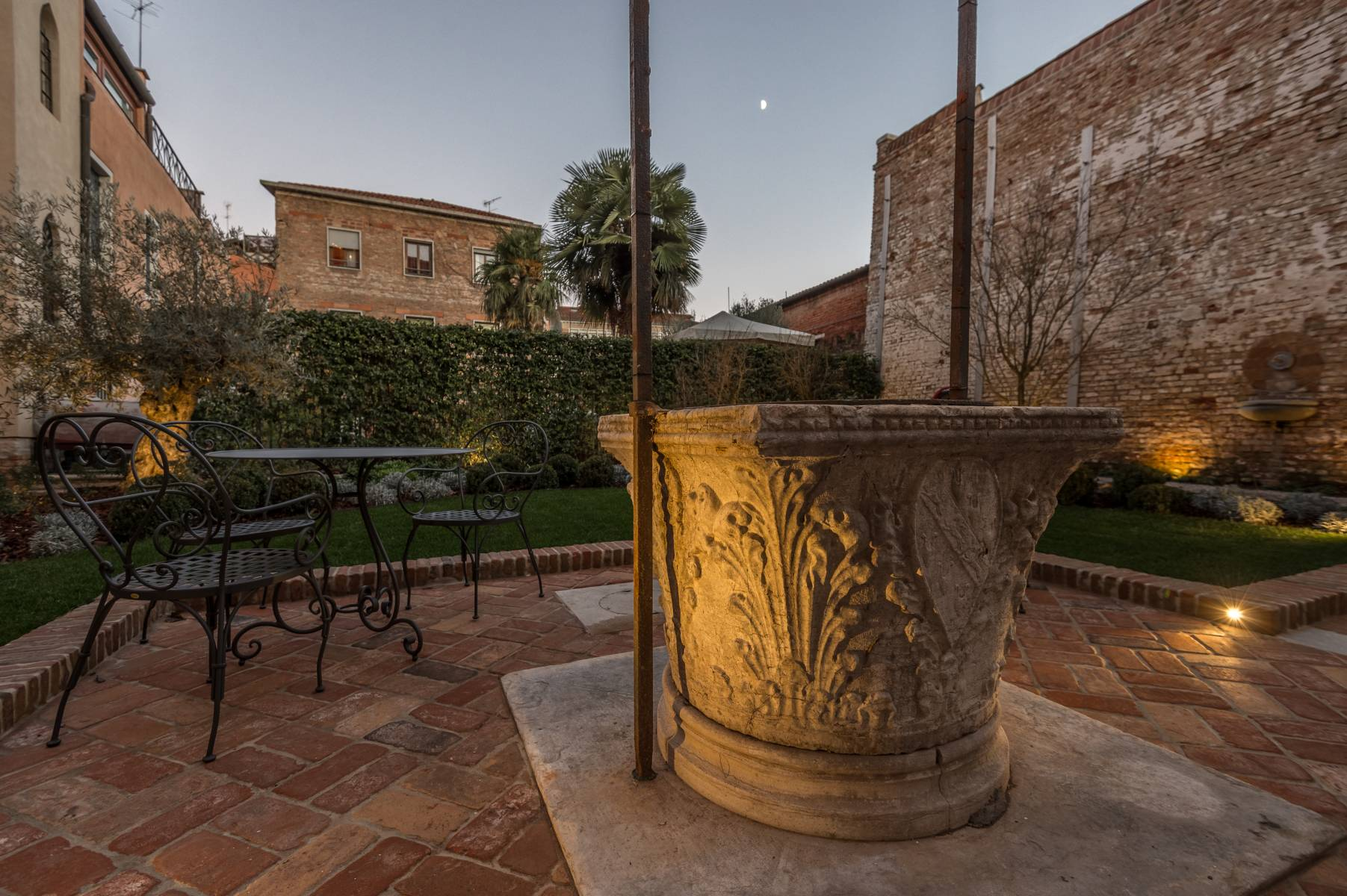 The Garden Venice Hotel - Hotel Nani Mocenigo Palace on the San ...