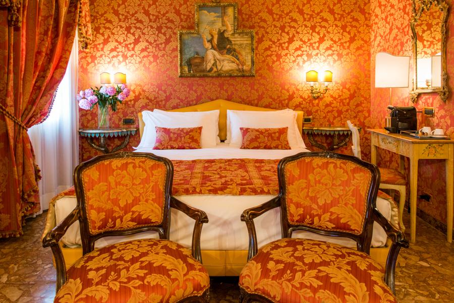 Camere - Quadrupla Hotel Venezia - Hotel Santo Stefano su uno dei ...