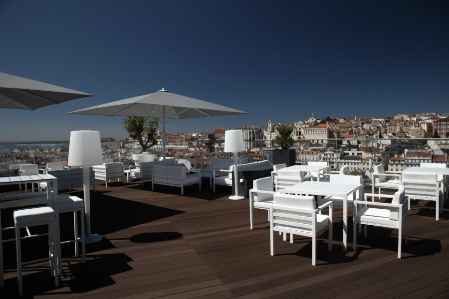 ROOFTOP BAR & LOUNGE