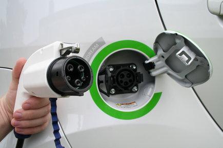 Stacja tesla do ładowania samochodów elektrycznych