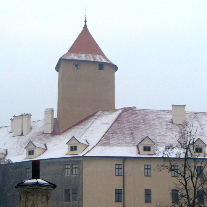Statkiem na zamek veveří