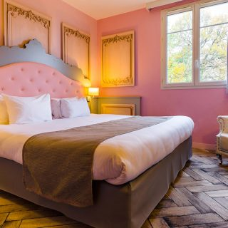 pirates-and-princesses-festival-stay-at-the-explorers-hotel-close-to-disneyland-paris