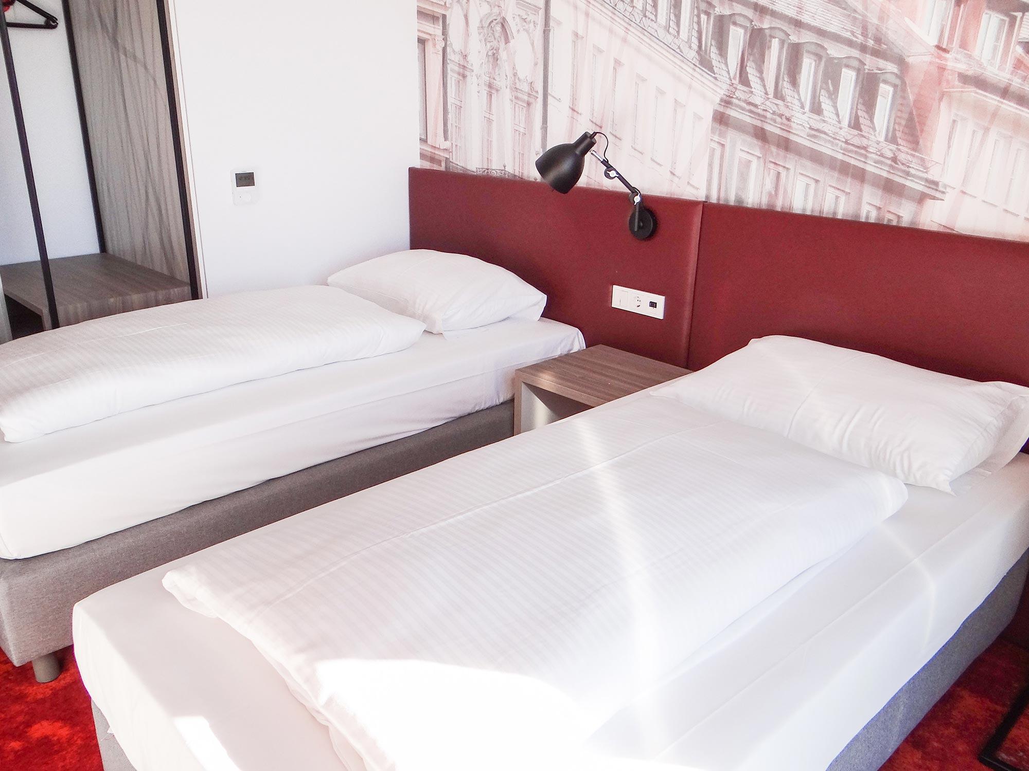 Twin-Room31
