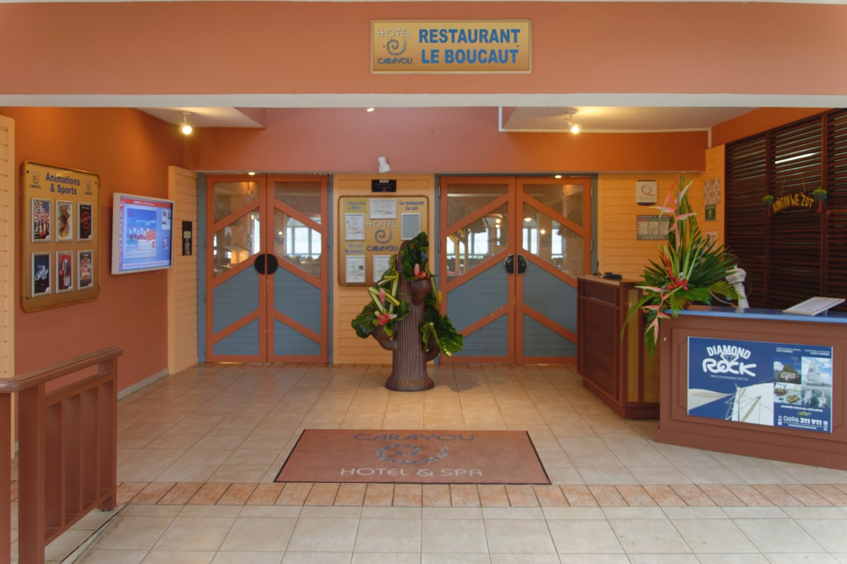 Restaurant  U0026 Bar
