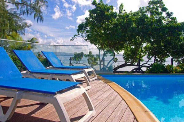 Carayou Hôtel & SPA - Piscine en bord de mer - Pointe du Bout - Matrtinique