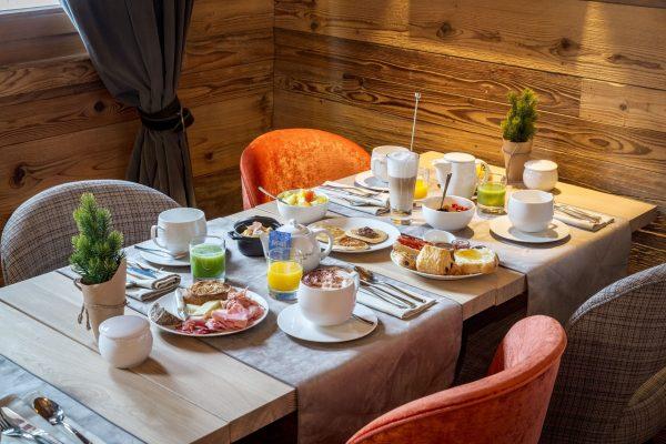 Petit déjeuner aux Loges Blanches hôtel **** à Megève