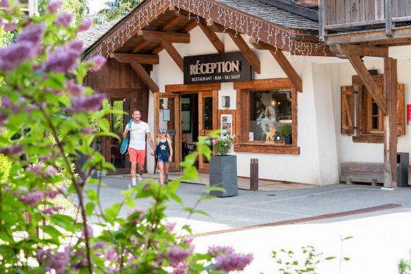 La réception des Loges Blanches hôtel 4* à Megève