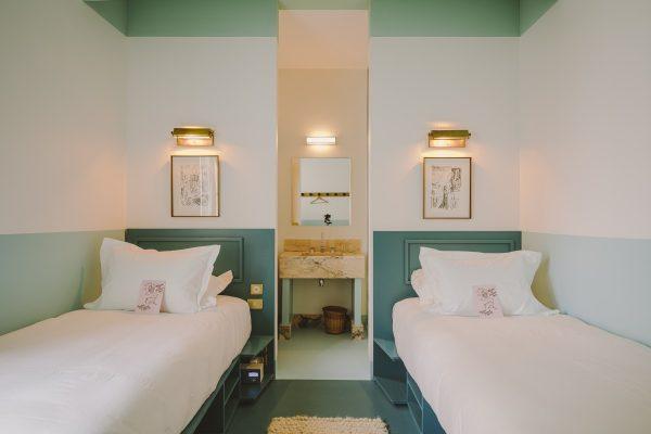 une petite chambre à Nice