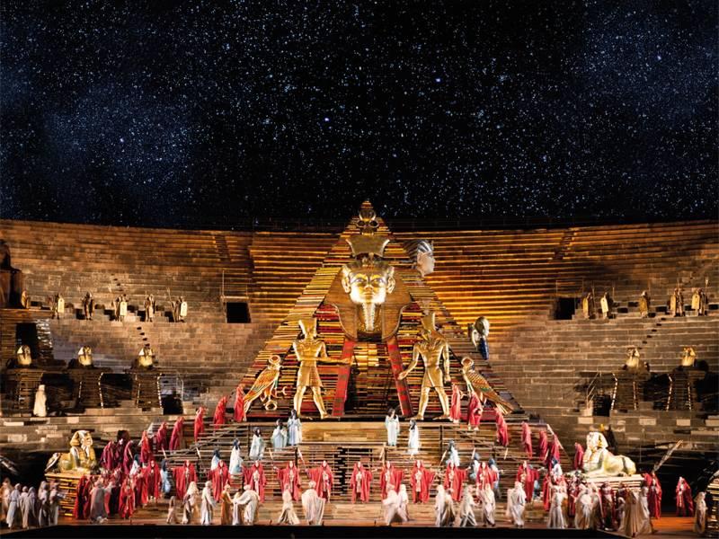 Calendario Arena Verona 2020.Eventi Arena Opera Festival 2019 2020 Castel D Azzano