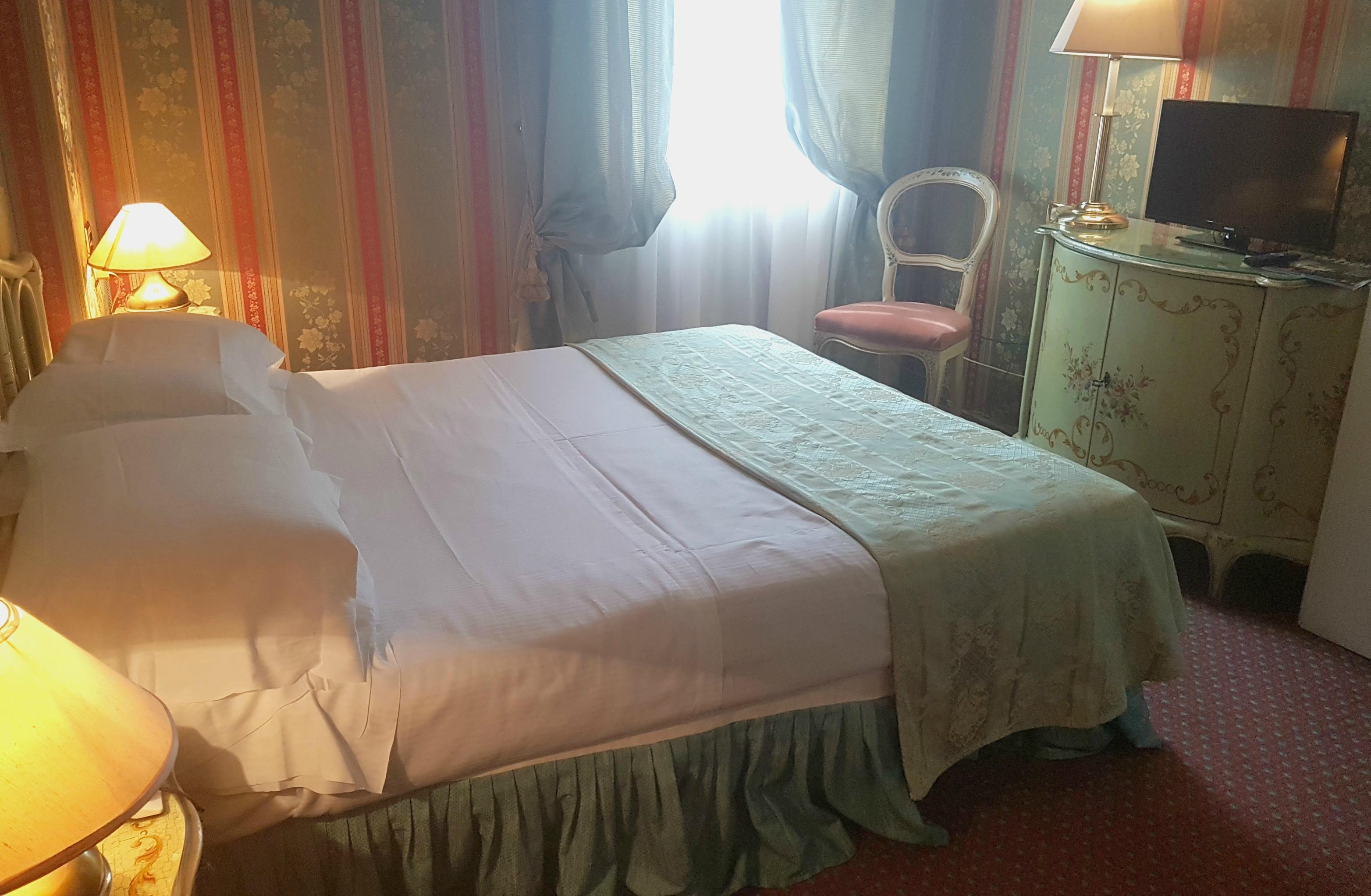 Descrizione camera da letto francese camera da letto - Descrizione della camera da letto ...