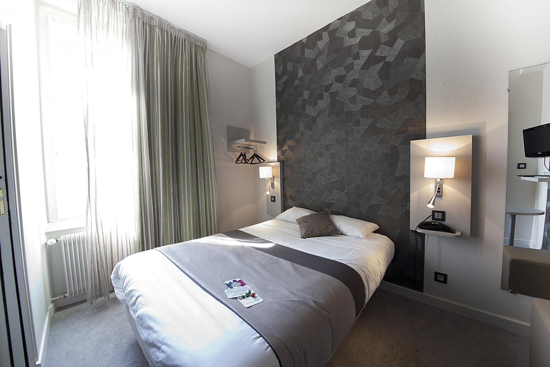 Les diff rentes chambres hotel clermont ferrand h tel - Chambre du commerce clermont ferrand ...